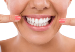 La importancia de los dientes en la estética dental en la Clínica dental Gómez-Ferrer en Valencia